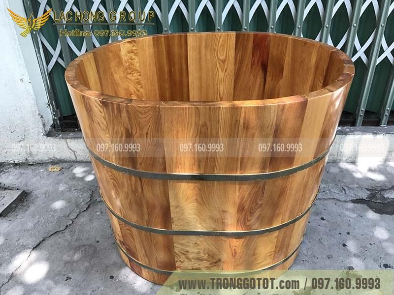 chậu tắm bằng gỗ