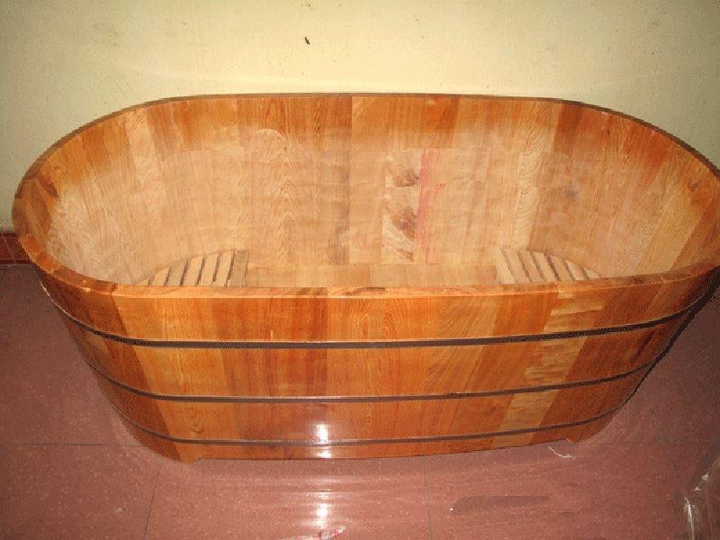 bồn tắm gỗ cũ
