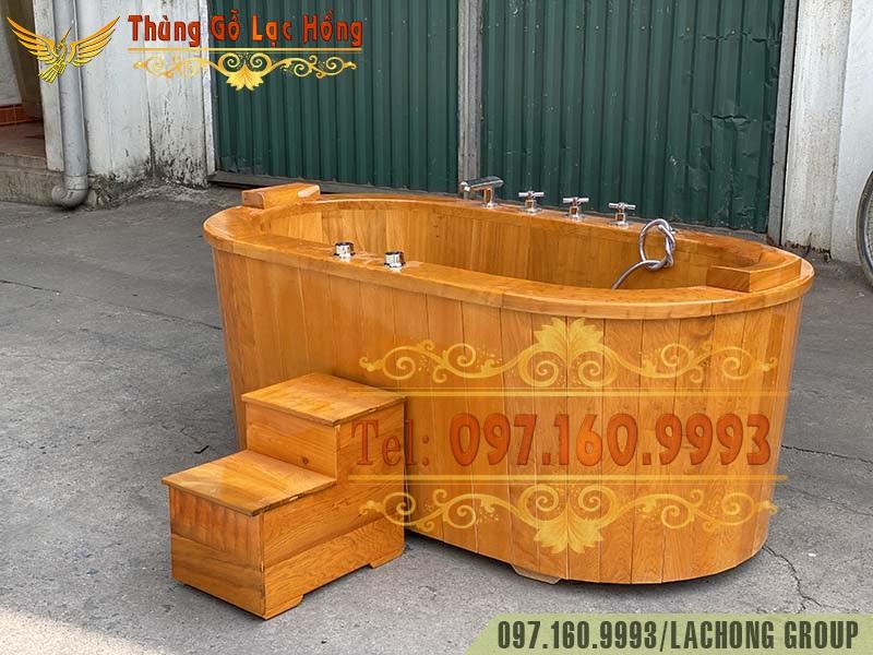 bể tắm bằng gỗ