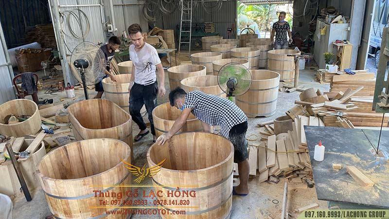 bồn tắm gỗ Lạc Hồng