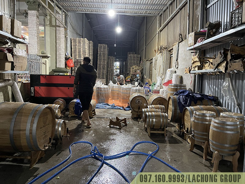 bán thùng gỗ đựng rượu