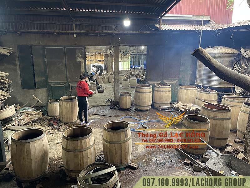 xưởng đóng thùng gỗ sồi