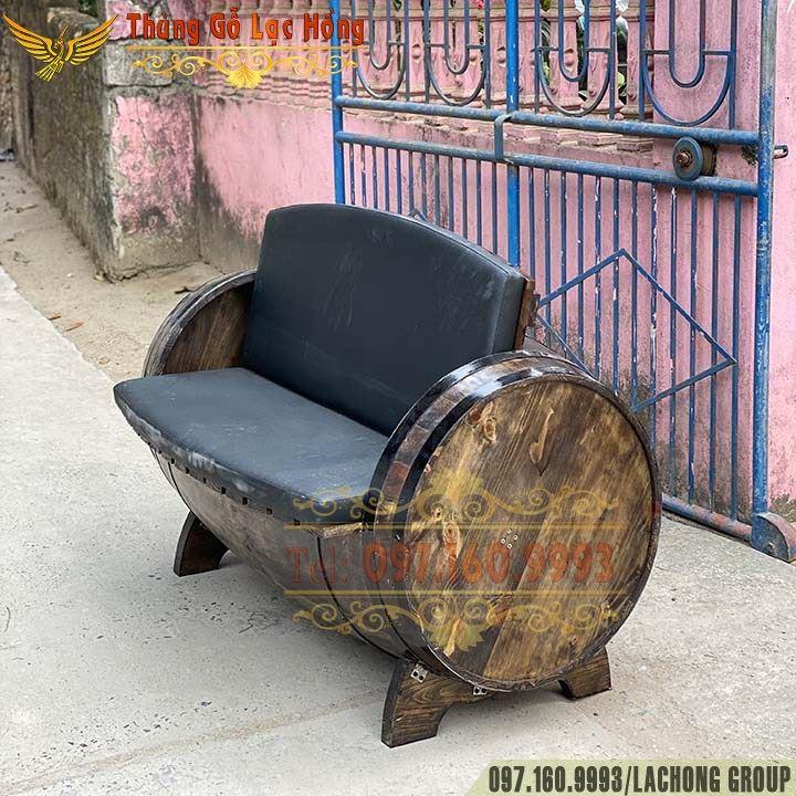 bàn ghế bom rượu