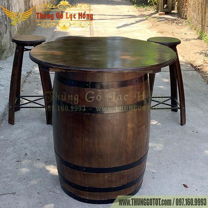 bàn thùng gỗ sồi ngâm rượu