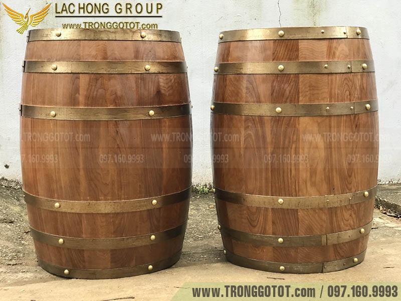 bom rượu gỗ sồi cũ