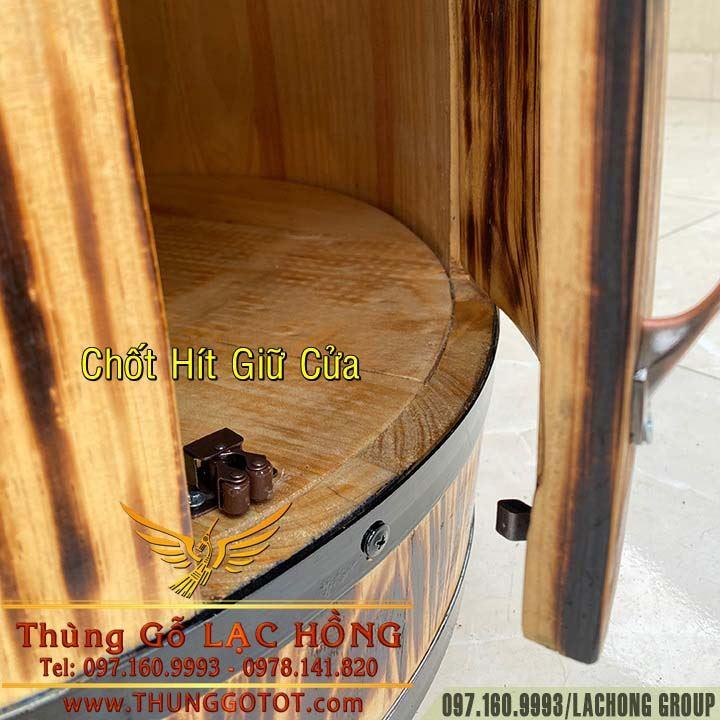 tủ rượu vang hình thùng gỗ