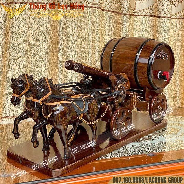 ngựa kéo trống rượu